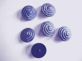 3h Kunststof knoop met krul op steeltje Oud blauw 22mm. 657-S18