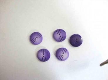 Kunststof knoop in 2 maten Paars met streepjes 20 mm