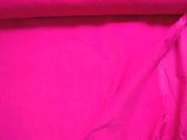 Babyrib pink kleurig. Soepelvallende effen babyrib corduroy. 100% katoen 1.45 meter. breed 145 gr/m2 21 Wales