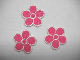 Pink bloem applicatie met wit randje