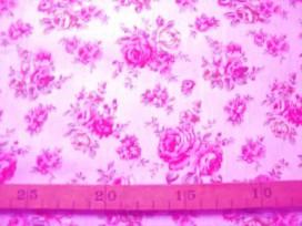 Katoen Zachtroze met rode/roze rozen 279-W