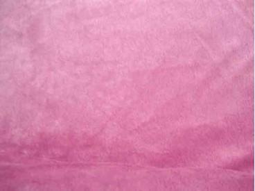 Een soepelvallende oudroze minky stof, rekt iets in de breedte, maar niet in de lengte. 100% Polyester  1.60 mtr. breed  220 Gr.