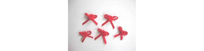 Roos en roos met strikje Opnaaibare applicaties